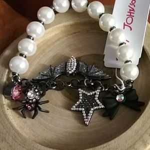 Betsey Johnson pearl and bat bracelet nwt